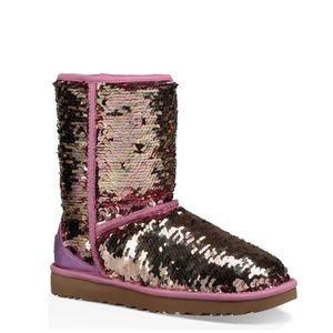 UGG 💞Short sequin Boots Sz 9